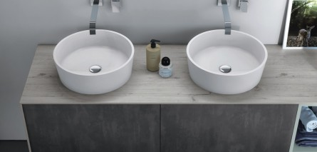 Badmöbelverkauf: zwei Aufsatzwaschbecken und Waschtischplatte in Holzoptik (nach Wunsch ist Echtholz möglich)
