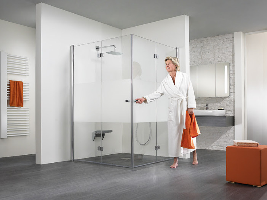 Ebenerdige Dusche, Bodengleiche Dusche, Barrierefreies Bad in Halle Saale, altersgerechtes Bad, Badumbau behindertengerechtes Bad