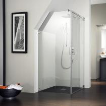 Maßangefertigte Dusche aus Glas, Händler für Duschen in Halle Saale