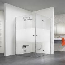 Altersgerechtes Badezimmer mit großer ebenerdiger Dusche