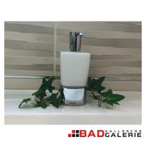 Seifenspender aus satiniertem Glas und Chrom (Beispielfoto für Badaccessoires aus unserer Badausstellung)