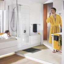 Badsanierung - Badewanne mit Tür